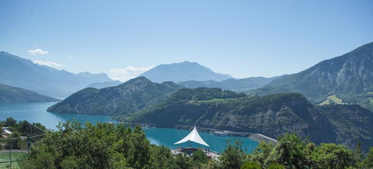 Barrage du lac de Serre-Ponçon à Rousset