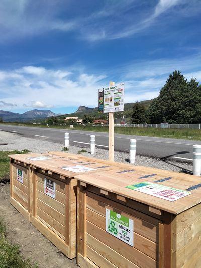 Première aire de compostage partagé à La Bâtie-Neuve (quartier les Platanes)