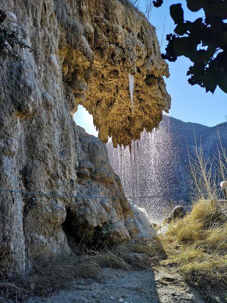 Cascade pétrifiante de Remollon